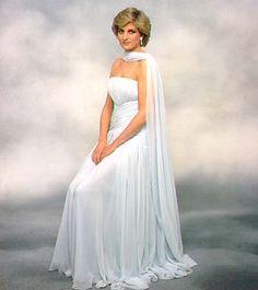 Lady Diana Princess of Wales Princess Diana of Wales, Princess Diana Dresses, Princess Diana Photos, Princess Diana Family, Royal Princess, Prince And Princess, Princess Of Wales, Princess Diana Fashion, Lady Diana Spencer, Princesa Diana