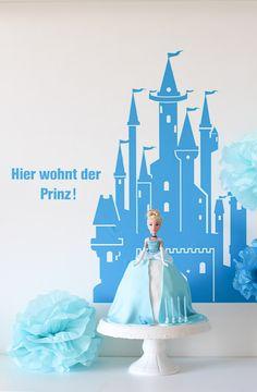 Einfache Anleitung für eine schnelle Torte mit Barbie Puppe zum Geburtstag Elsa, Cinderella, Disney Princess, Disney Characters, Cake, Food, Craft Ideas, Birthday Cakes, Princess Pie
