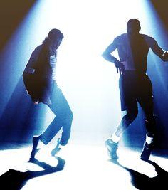 Michael Jackson & Michael Jordan. Image courtesy of totuontotu.