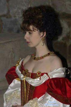 VII th dress. Le Puy du fou.  Madeleine