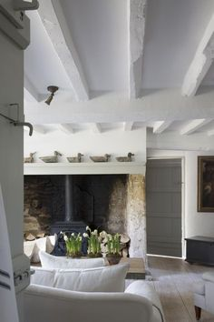 Modern Cottage Living Room Awesome Anton & K Sitting Room White Cottage, French Cottage, Cottage Style, French Country, Cottage Design, Welsh Cottage, Country Style, Modern Cottage Decor, Country Cottage Interiors
