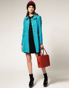 Love the color of the coat and the vintage look