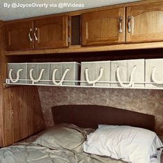Rv living hacks ideas for makeover and renovations to make your happy camper 79 It is possible to get away from it all. Rv living hacks ideas for makeover and renovations to make your happy camper 79 It is possible to get away from it all. Camper Hacks, Rv Hacks, Diy Camper, Rv Campers, Caravan Hacks, Estoque Do Trailer, Vida No Trailer, Camping Klo, Camping Tips