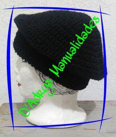 Boina tipo francesa para dama tejida en negro