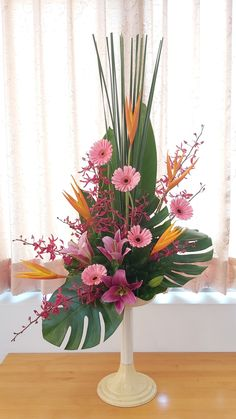 Contemporary Flower Arrangements, Tropical Floral Arrangements, Creative Flower Arrangements, Flower Arrangement Designs, Church Flower Arrangements, Beautiful Flower Arrangements, Tropical Flowers, Flower Designs, Beautiful Flowers