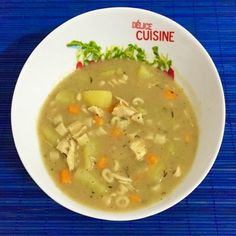 Minestrone de Feijão Fradinho, Frango e Macarrão Cheeseburger Chowder, Ethnic Recipes, Food, Shredded Chicken, Soup Beans, Bean Dip Layer, Other Recipes, Easy Punch Recipes, Soups