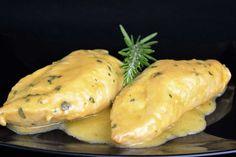 Pechugas con salsa de miel y mostaza Good Food, Yummy Food, Tapas, Hamburger, Healthy Eating, Bread, Cheese, Chicken, Cooking