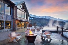 Justin Timberlake & Jessica Biel - While the superstar couple own a penthouse in NYC, the pair also own property at The Yellowstone Club in Big Sky, Montana. Yellowstone Club, Yellowstone Vacation, Ski Chalet, Justin Timberlake, Ben Affleck, Montana, Mountain Club, Angeles, Private Club