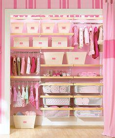 Armario para niñas en rosa. #Home #Organization #Closet