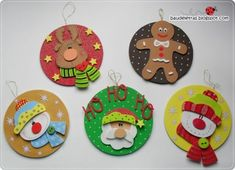 CD Crafts - See Over 130 Ideas and Walkthroughs - ChecoPie Felt Christmas Decorations, Christmas Ornaments To Make, Felt Ornaments, Christmas Art, Christmas Projects, Cd Crafts, Foam Crafts, Diy Natal, Theme Noel