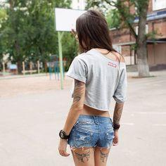 Model: Diana Melison