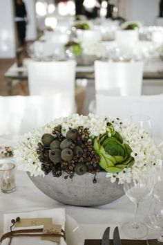 #succulents #centerpiece Photography by sashagulish.com/ Event Planning by shannonleahy.com/ Event and Floral Design by atelierjoya.com/  Read more - http://www.stylemepretty.com/2013/07/26/san-francisco-wedding-from-shannon-leahy-events/