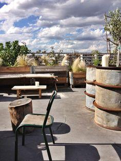 Le Perchoir,  14 rue Crespin du Gast , 75011 PARIS *** dernier étage d'un immeuble indus...