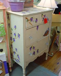http://www.camillesantiqueboutique.com/antiques.html  antique painted bureau furniture #antique #paintedfurniture #homedecor