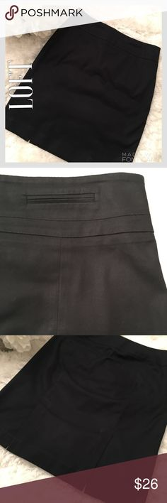 LOFT Like-New Navy Blue Pencil Skirt LOFT Like-New Navy Blue Pencil Skirt. Two flat front decorative pockets. Two real back pockets. Perfect condition. No tears, rips, stains, or fading. Great skirt fir work or to dress up for a night out. LOFT Skirts Pencil