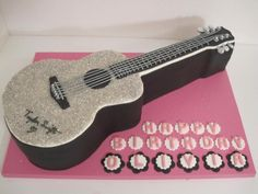 A good friend requested this cake for her daughter. It was really fun to make :) Taylor Swift Cake, Taylor Swift Guitar, Taylor Swift Party, Taylor Swift Birthday, Guitar Birthday Cakes, Guitar Cake, Cake Icing Techniques, Cake Decorating Techniques, Harry Birthday
