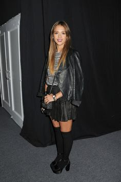 Jessica Alba Long Wavy Cut - Jessica Alba Looks - StyleBistro
