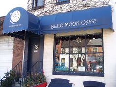 blue moon cafe in B'more. Love their Captn' Crunch French toast!!
