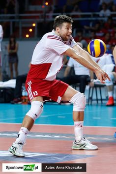 Volleyball Players, Action Poses, Olympics, Cute Pictures, Athlete, Basketball Court, Muscle, Running, Drawing Reference
