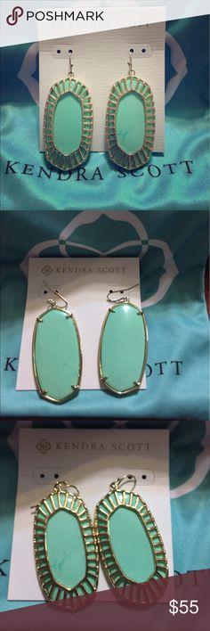 SALEKendra Scott Mint Earrings Kendra Scott oblong mint earrings. Mint and gold. Worn a few times, but they're just too heavy for me. Danielle size. Was purchased on Posh. EUC.  Price firm! Kendra Scott Jewelry Earrings
