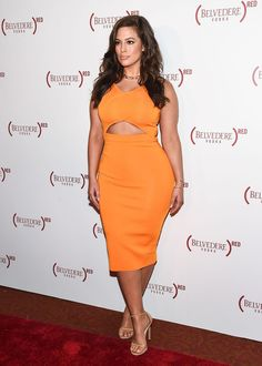 Ashley Graham in orange. The only pumpkin spice I'd like Curvy Fashion, Daily Fashion, Plus Size Fashion, Fashion Models, Curvy Outfits, Plus Size Outfits, Ashley Graham Style, Curvy Inspiration, Look 2017
