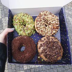 Tak strašně boží! 🍩😍 #donut #donuts #donuter #candystore #foodporn #prague #Homer #Simpson #would #loveit #tasty #delicious #nejlepsi @donutercz @cherill_b
