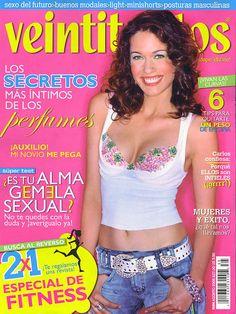 Fotografiado por Enrique Covarrubias para la revista Veintitantos, México, agosto 2005