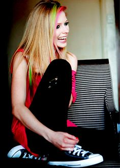 Avril Lavigne--------Don't forget to SMILE! :)