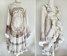 Wrap yourself up this winter in this cuddly and warm free crochet ruana pattern. This comfy crochet shawl and sweater hybrid will quickly become a comfortable party of your winter wardrobe. Crochet Circle Vest, Crochet Circles, Crochet Cardigan Pattern, Crochet Jacket, Crochet Mandala, Crochet Shawl, Free Crochet, Knit Crochet, Simple Crochet