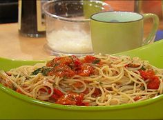 Spaghetti with Cherry Tomatoes, Oil and Vinegar Sauce  #Pasta