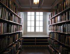 Abibliophobia - The fear of running out of reading material. Roman, Film Music Books, Reading Material, Free Ebooks, Breathe, Cinema, Let It Be, Writing, Si Online