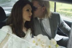 Fake Pictures of Brad Pitt and Angelina Jolie's Wedding! Angelina Jolie Wedding, Brad Pitt And Angelina Jolie, Jolie Pitt, Brad Pitt Pictures, Fake Pictures, Wedding Kiss, Wedding Bride, Radar Online, Latest Celebrity News