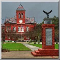 Louisiana Square (Place de la Louisiane, c. 1830 - 1831) and Ascention Parish Courthouse near Railroad Avenue. Donaldsonville, Louisiana, January 7, 2007