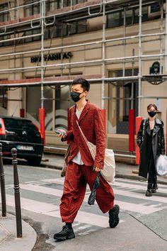 Fashion Week Hommes, Mens Fashion Week, Fashion News, Fashion Outfits, Men's Fashion, Look Street Style, Street Style Trends, Vogue Paris, Dior Men