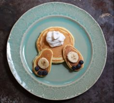Fun Easter Brunch Idea: Bunny Bottom Pancakes