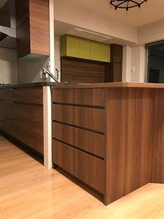 収納力&インテリア性を両立させた家具設置♪ @新築マンション その1 | 名古屋・一宮のスペースプランニング【PA★DU-DUE】のブログ  都心の新築マンションをご購入されたお客様宅にご家族のライフスタイルにマッチした収納家具類を納品した例をご紹介しますね   最初のヒアリングから納品まで、約半年。  はじめましてのお電話から、マンションの展示場見学&ヒアリング、打ち合わせ、内覧会及び現地調査、zoomでの打ち合わせ・・・  本当に「共創」と呼ぶにふさわしいプロジェクトでした。  マンションにおける収納スペースの現実  マンションについてのあるあるは。。。    ①収納スペースが足りない。   ②与えられた収納スペースが、理想の収納スタイルと物量にマッチしていない。   ③そもそも収納家具がない。   続きはブログへ… Divider, Cabinet, Storage, Room, Furniture, Home Decor, Clothes Stand, Purse Storage, Bedroom