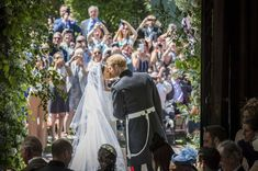 Royal Wedding: Prince Harry And Meghan Markle Celebrate First Wedding Anniversary Prince Harry Et Meghan, Meghan Markle Prince Harry, Prince William And Kate, Harry And Meghan, William Kate, Prinz Philip, Prinz Charles, Second Weddings, Royal Weddings
