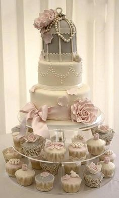 On trend Wedding Cake & Cupcakes.