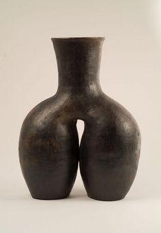 Contemporary vase by Baule potter Kaka Adjoua, from central Ivory Coast