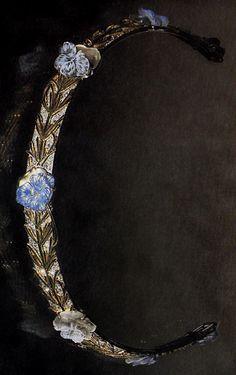 An Art Nouveau Pansy tiara, by René Lalique, circa 1904-05. Gold, glass, enamel and diamonds. Signed LALIQUE.  Source: The Jewellery of Rene Lalique, by Vivienne Becker. #Lalique #ArtNouveau #tiara
