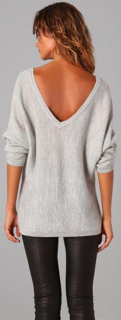 Scoop neck V-back oversized grey sweater | FASHION WINDOW