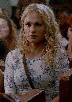 Sookie's white and blue printed top on True Blood.  Outfit Details: http://wornontv.net/33928/ #TrueBlood