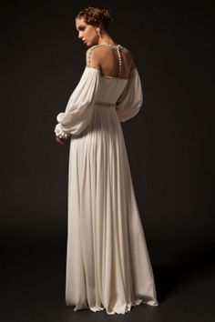 Forget what you think you know about the state of the Middle East fashion world–let us tell you who we just discovered. Krikor Jabotian Designer of Evening Wear was just celebrated and… Haute Couture Gowns, Haute Couture Fashion, Couture Dresses, Fashion Dresses, Krikor Jabotian, Designer Gowns, Silk Crepe, Beautiful Gowns, Dream Dress
