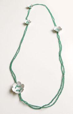Ariane Hartmann Necklace: Im Wort – Pusteblume, 2012 Green agate, Ag red silke thread 100 cm Textile Jewelry, Jewelry Art, Beaded Jewelry, Jewelry Necklaces, Jewelry Design, Beaded Necklace, Contemporary Jewellery, Modern Jewelry, Mixed Media Jewelry