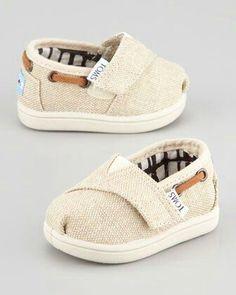 Adorables zapatos para sus primeros pasos. #bebe #babies 16 Adorable #Baby #Shoes for First Steps
