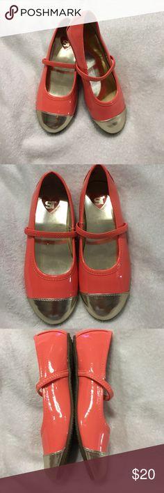 Girls flats Corral with gold flats used only once no scuff marks like new Stride Rite Shoes Dress Shoes