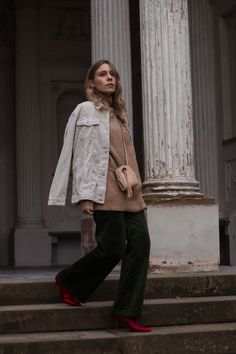 Green Cord Pants Chloe Bag Red Sock Boots Trend Cord Jacket Sariety Modeblog Fashionblogger Sarah Schäfer Cordhose_14