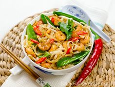 stir fry noodles with shrimp