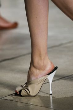 See all the Details photos from Miu Miu Spring/Summer 2015 Ready-To-Wear now on British Vogue Miu Miu, High Sandals, Vogue Russia, Hot Shoes, Spring Summer 2015, Fashion Show, Fashion Design, Sexy High Heels, Shoe Game