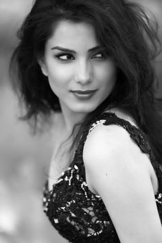 Monica Gill - Miss India USA 2013 India Usa, Miss India, Height And Weight, Portrait Photo, Body Measurements, Bra Sizes, Beautiful Women, Actresses, Celebrities